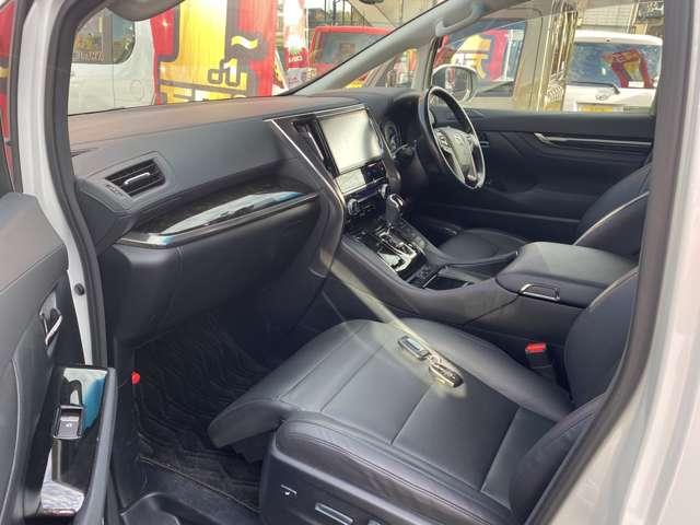 トヨタ ヴェルファイア ハイブリッド 2.5 ZR Gエディション 4WD(パールホワイト)