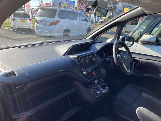 トヨタ ヴォクシー 2.0ZS煌(ブラック)